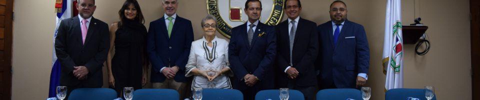 Dr. Wllian Duke, Ing. Ellin Rodríguez, Dr. Fernando Contreras, Dra. Adria Suazo, Dr. Luis Rojas, Dr. Rubén Peralta y el Dr. Alberto Flores